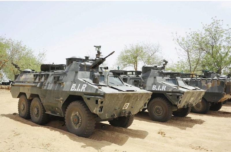 Forces Armées Camerounaises - Page 5 A1799010