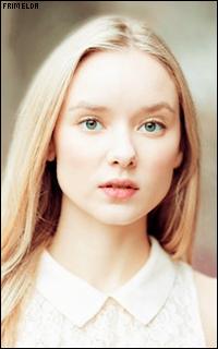 Alexandra Dowling - Page 2 Alexan21
