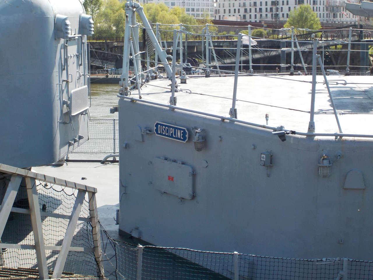 Escorteur d'escadre Maillé Brézé à Nantes - Page 2 Dscn1027