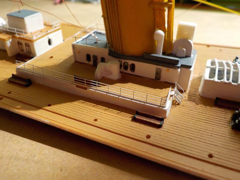 Titanic 1/400 de Revell - Page 9 Dscn1322