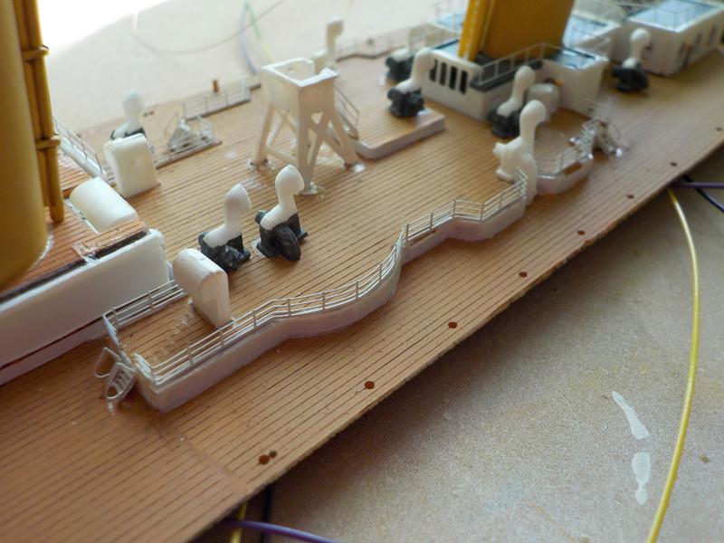 Titanic 1/400 de Revell - Page 9 Dscn1325
