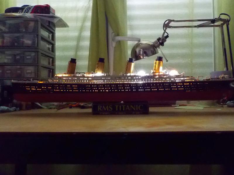 Titanic 1/400 de Revell - Page 10 Dscn1916