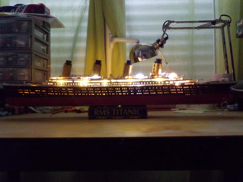 Titanic 1/400 de Revell - Page 10 Dscn1917