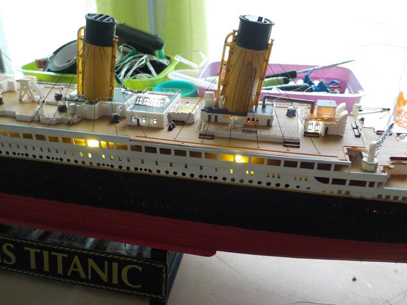Titanic 1/400 de Revell - Page 10 Dscn1918