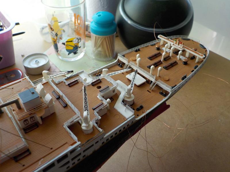 Titanic 1/400 de Revell - Page 10 Dscn1929
