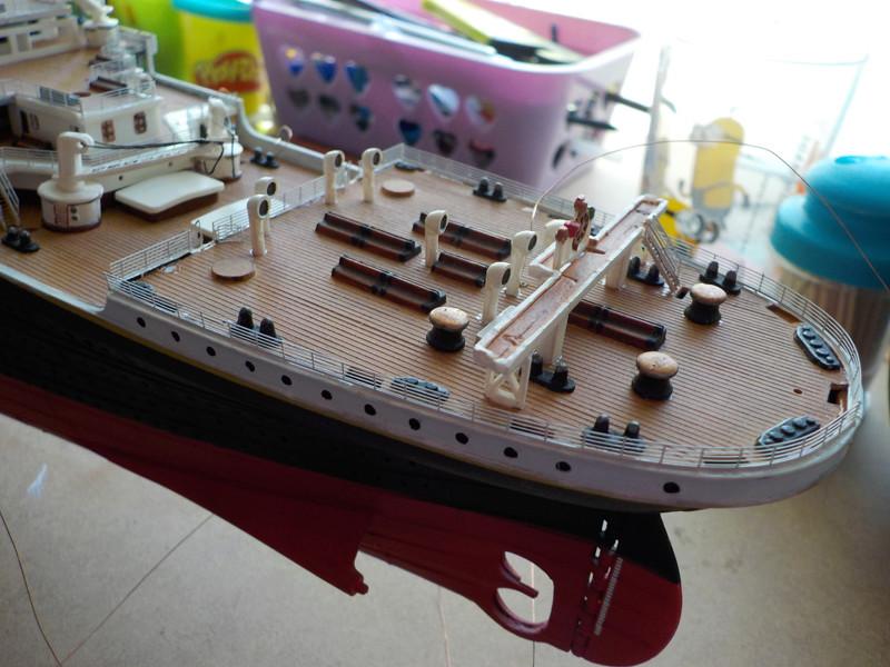 Titanic 1/400 de Revell - Page 10 Dscn1930