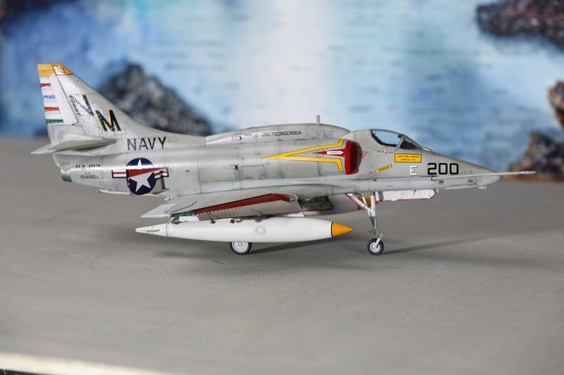 A-4 SKYHAWKS Douglas A4   Eduard ref 1197 _ano5215