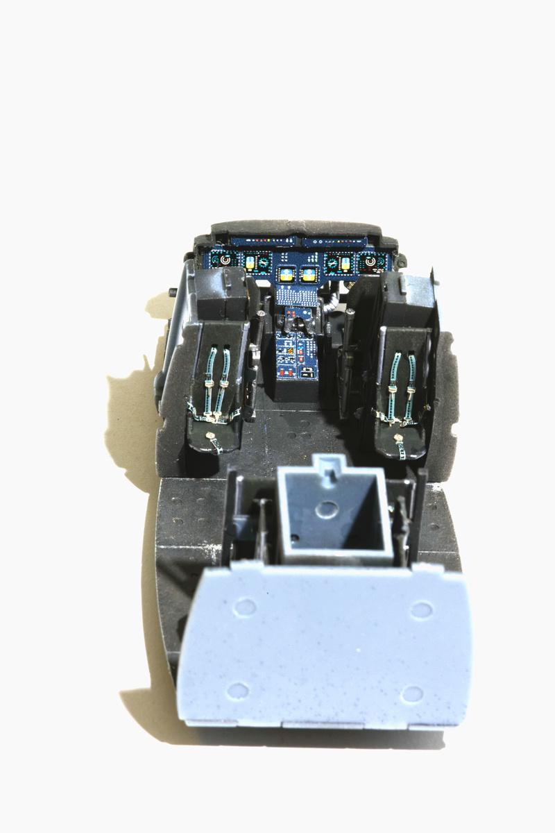 UH-1Y VENOM 1/48 Kitty Hawk  Uhy42311