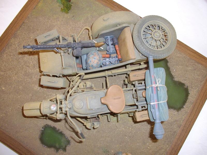 Figurine de Panzergrenadier Verlinden au 200 mm + BMW 750 side car Esci 1/9 Imgp0826