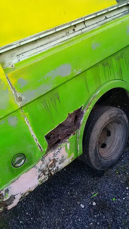 Début restauration du ScoobyVan! Un sacré projet! Decoup10