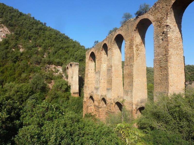 Les Aqueducs : acheminer l'eau  61043810