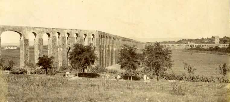 Les Aqueducs : acheminer l'eau  Zaghou10