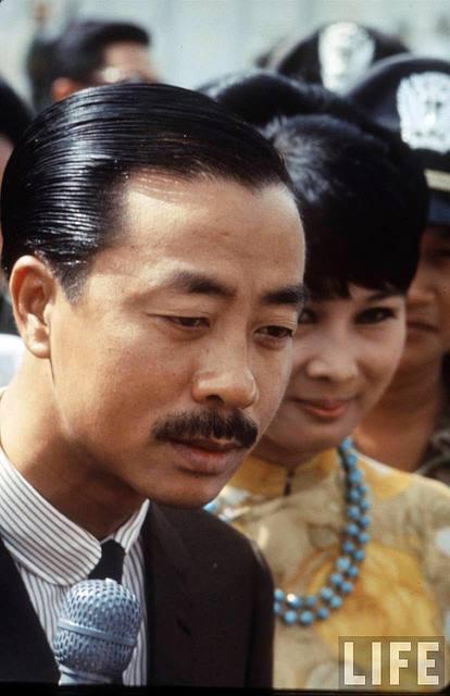Chùm ảnh đẹp của 1 lãnh đạo VNCH với những năm tháng bên 1 hoa khôi Sài Gòn 1dd10