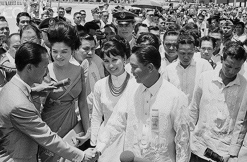 Chùm ảnh đẹp của 1 lãnh đạo VNCH với những năm tháng bên 1 hoa khôi Sài Gòn 1nn11