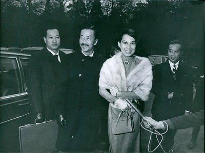 Chùm ảnh đẹp của 1 lãnh đạo VNCH với những năm tháng bên 1 hoa khôi Sài Gòn Nguyon15