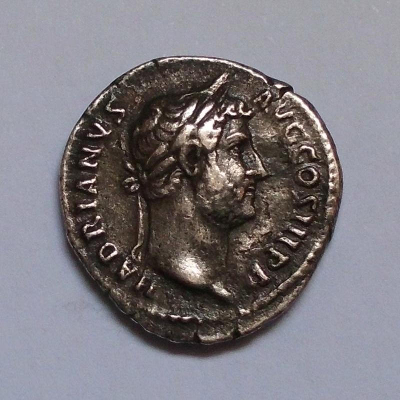 Denario de Adriano. AEGYPTOS. Egipto reclinado a izq.  Ceca Roma. Cimg3119