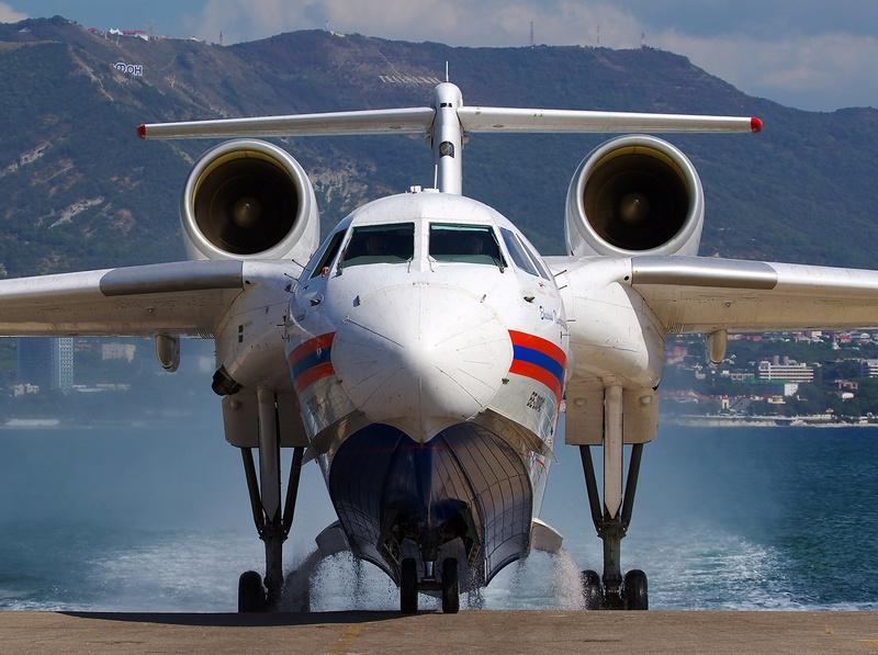 Argentina quiere comprar tres aviones anfibios rusos Beriev Be-200  031bd110