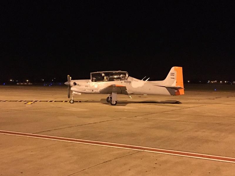 Fotos de la Fuerza Aérea Argentina - Página 3 C8h67r12