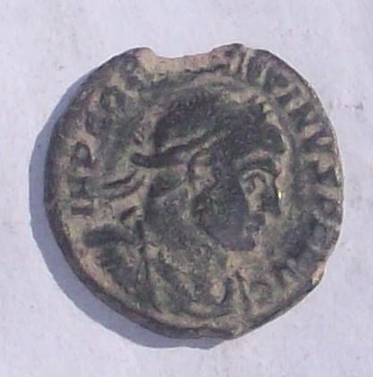 AE3 de Constantino I. SOLI INVICTO COMITI. Arlés 102_3915