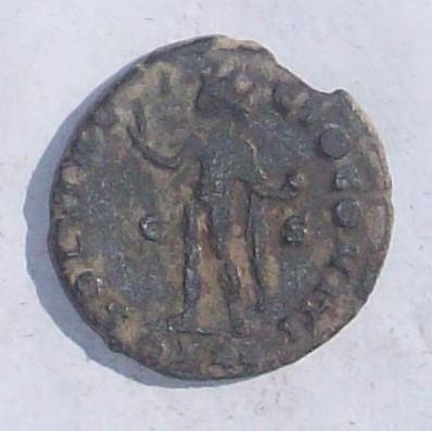 AE3 de Constantino I. SOLI INVICTO COMITI. Arlés 102_3916
