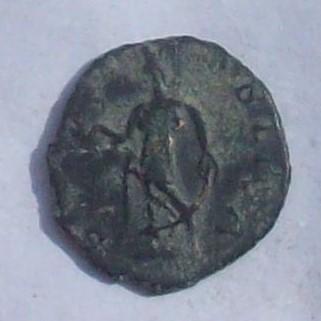 Antoniniano de Tétrico I. SPES PVBLICA. Spes marchando a izq.  102_4013
