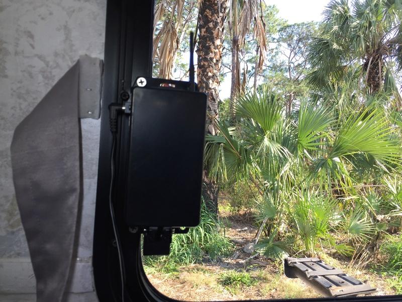 caméra pour la route derrière la roulotte pour IOS et Android Img_1911