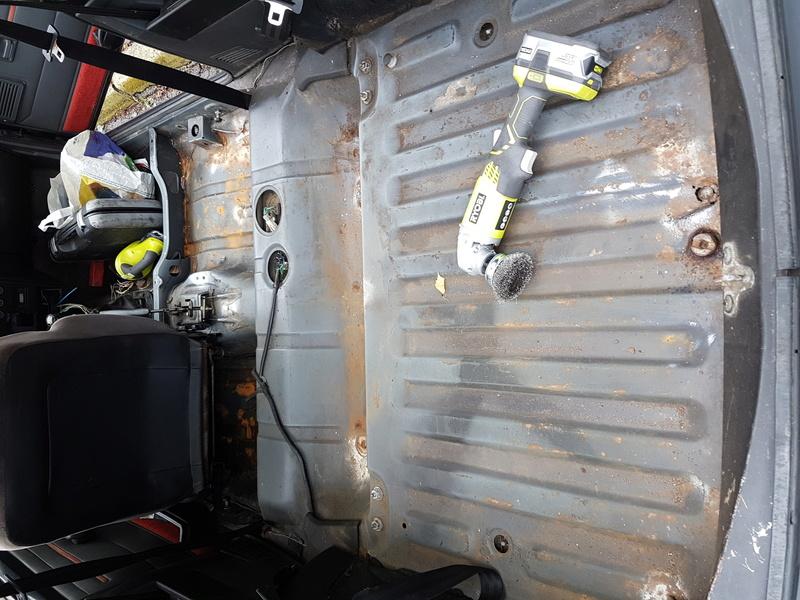 Traitement antirouille de la coque interieur 20160910