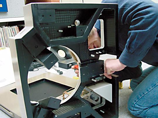 Dynamat (tratamiento acústico de nuestras electrónicas) Image43