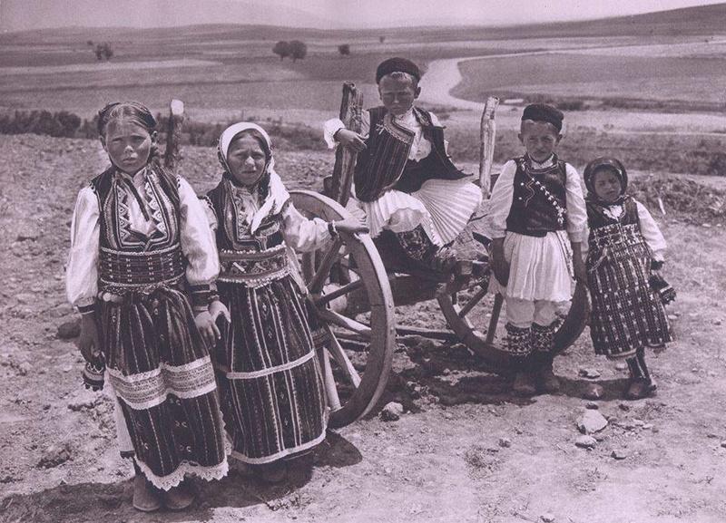 Стари слики - Македонија во 1920- 1930 In_sou10