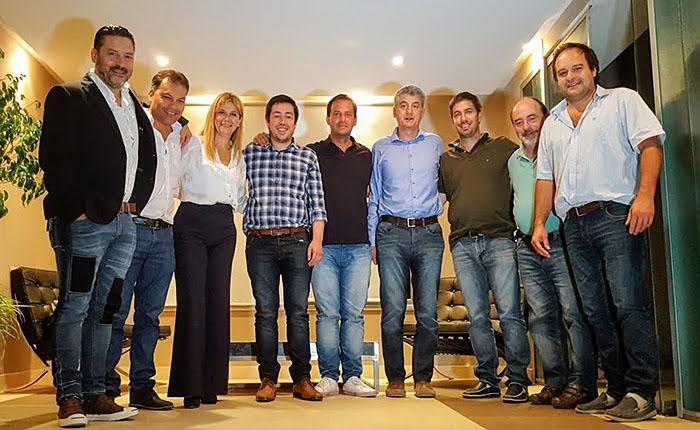 En Malvinas Argentinas, el intendente de Villa Gesell se sumo a las filas del Grupo Fénix 00111
