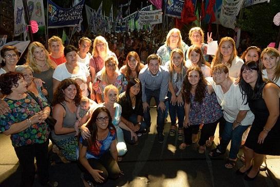 bourg - Día de la Mujer en Grand Bourg. 00119