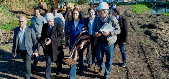 Vidal recorrió obras hidráulicas en San Fernando 00153