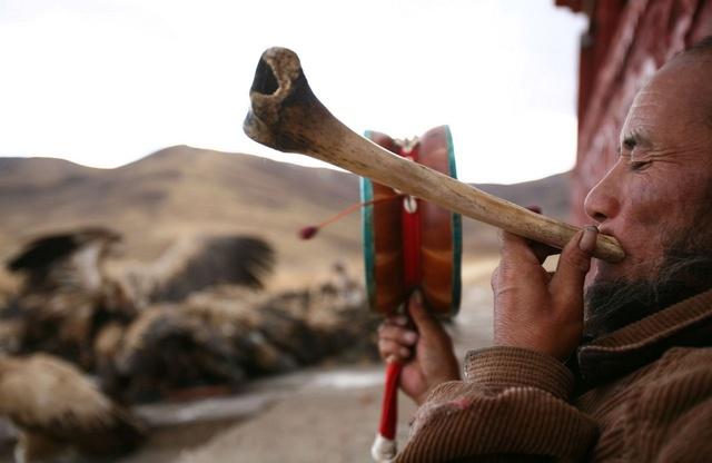 Небесное погребение в Тибете Nsobss10