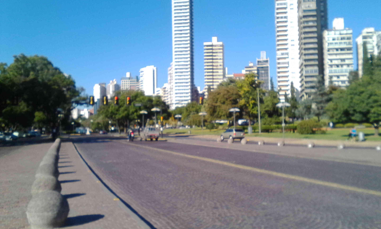 Zorro y Cerati por Rosario y Paraná. Img_2015