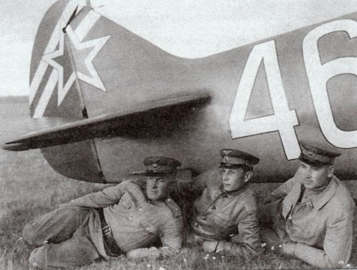 """Ла-7 1/48 Academy """"дрова с дополнениями"""" 46f10"""