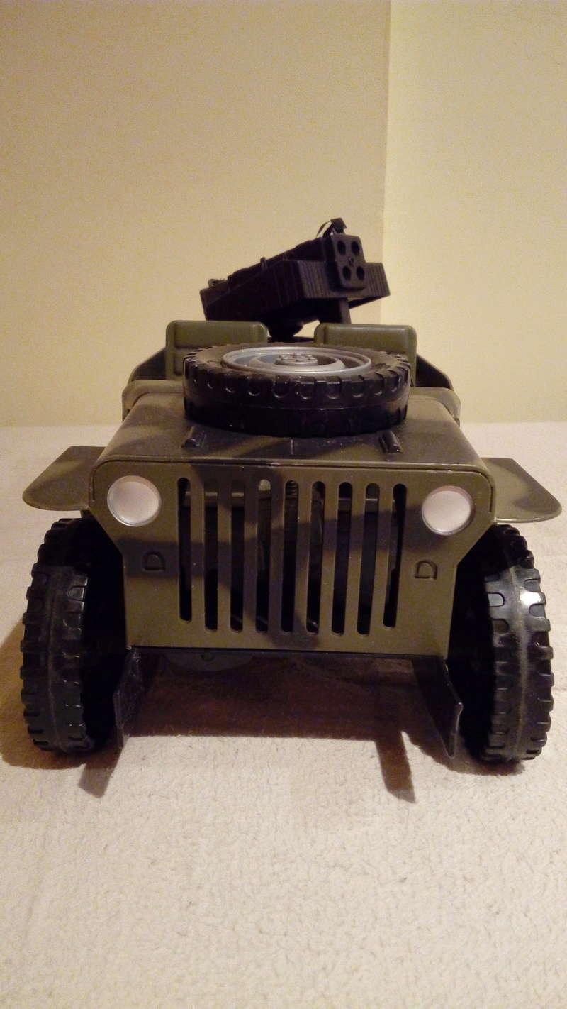 jeep willys 1/10 por 35€ Img_2061