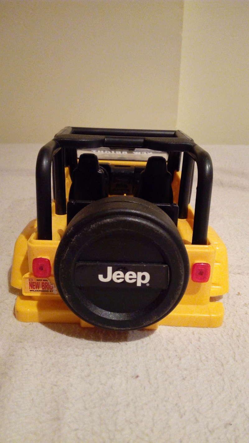 carroceria jeep wrangler 1/18 por 25€ Img_2099