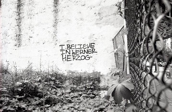 Pintadas, grafittis y otras mierdas del arte hurvano ese. - Página 4 4-film10