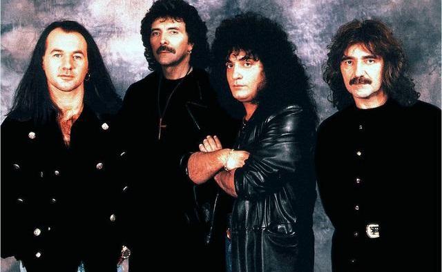 Black Sabbath: Reunion, 1998 (p. 37) - Página 6 Black-12