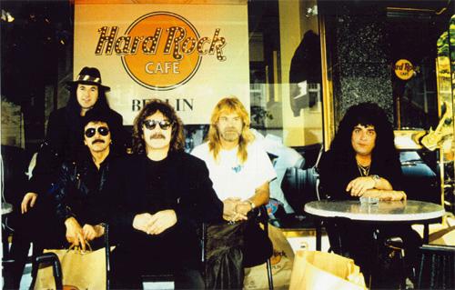 Black Sabbath: Reunion, 1998 (p. 37) - Página 6 Hardro10