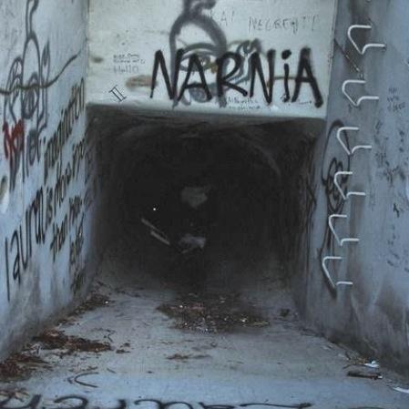Pintadas, grafittis y otras mierdas del arte hurvano ese. - Página 4 Narnia10