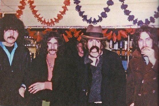 Black Sabbath: Reunion, 1998 (p. 37) - Página 6 Origin10