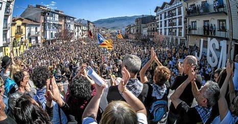 Euskal Herria: La juez Carmen Lamela de la Audiencia Nacional ordena encarcelar a seis vecinos de Altsasu. - Página 2 0329_e10