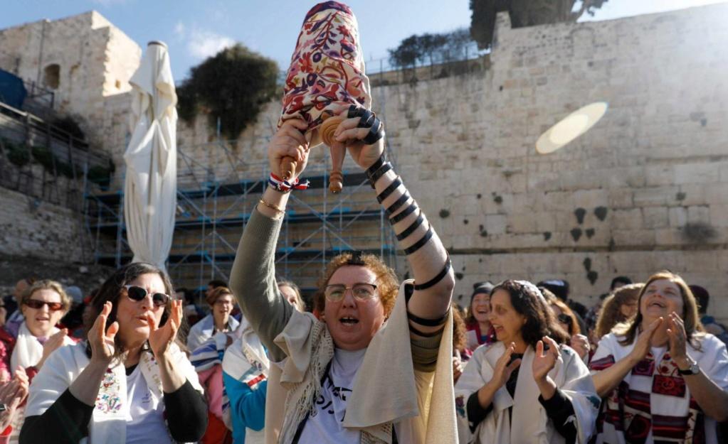 El Estado sionista de Israel redujo de forma racista la natalidad de inmigrantes . 15520411