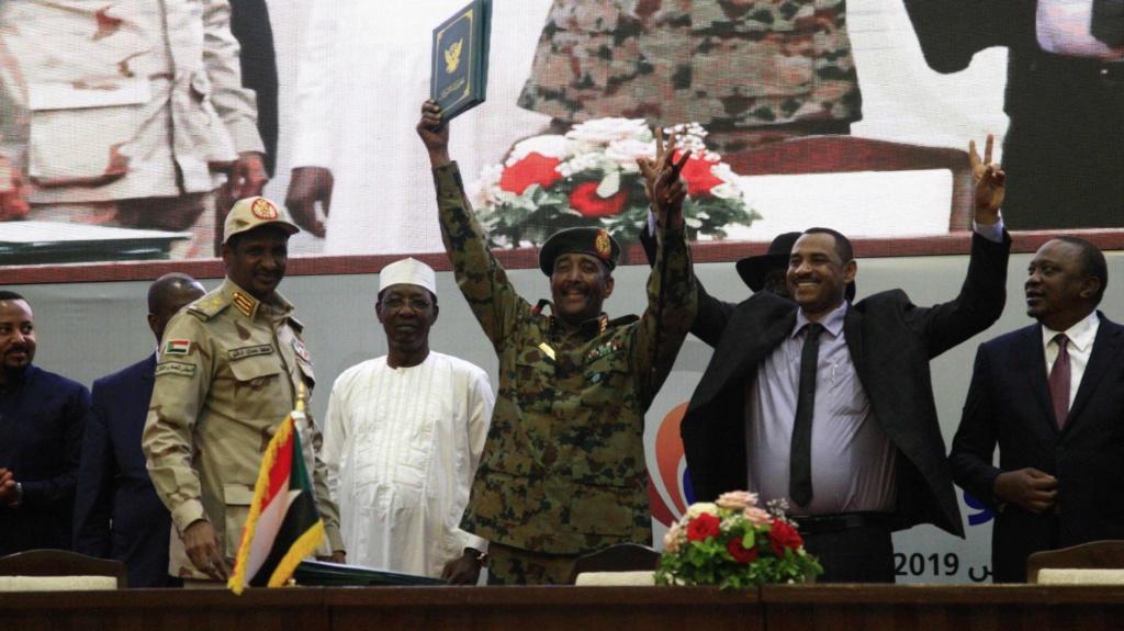 Sudán, Sudán del Sur. Militarismo, guerras, petróleo. - Página 6 15660610