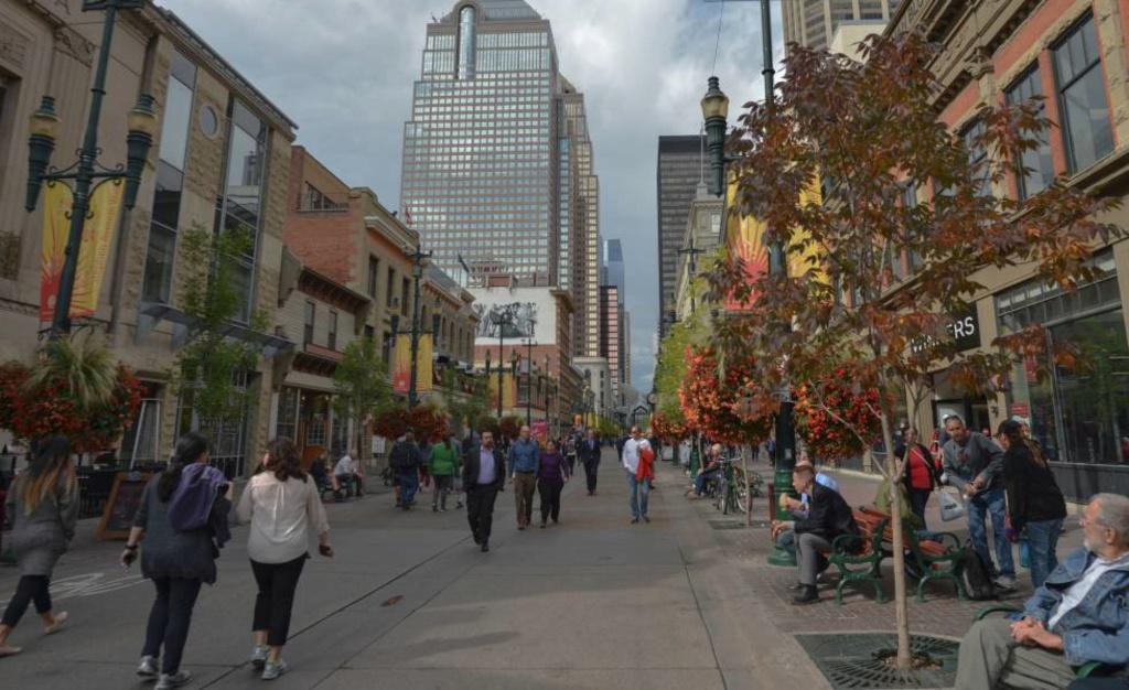 Canadá. Movimientos  políticos, economía  y sociedad .Entra en recesión por el desplome del petróleo (Septiembre  2015).  15667312