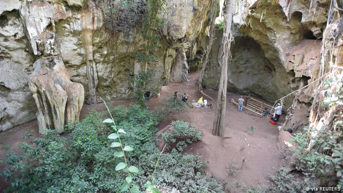 Descubren la tumba humana más antigua conocida en África. [Historia] 57450610