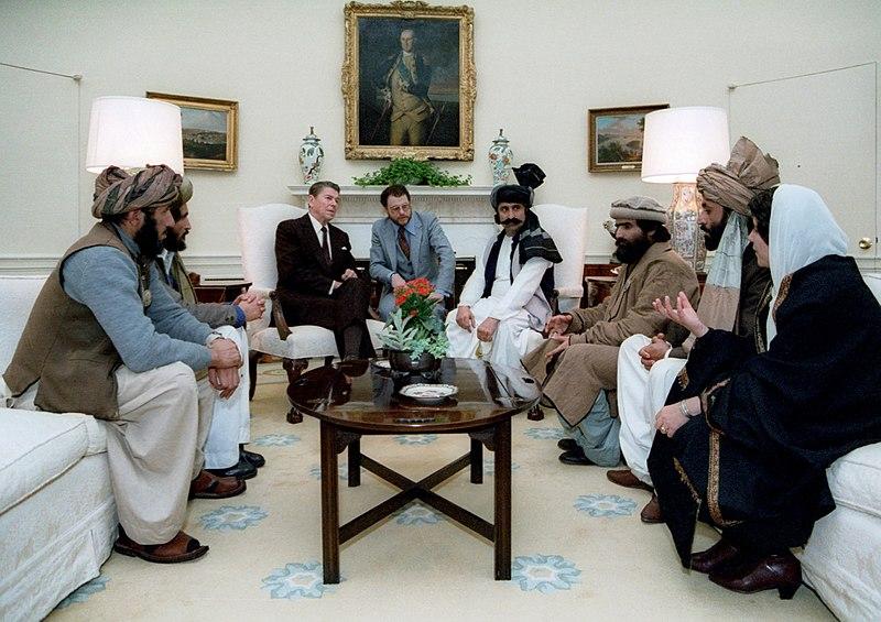 Afganistán: elecciones. Luchas políticas y militares. - Página 21 800px-11