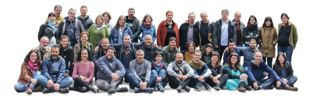 """Euskal Herria: Una multitud exige """"respeto a los derechos"""" de presos y exiliados. [vídeo] - Página 4 Argaz10"""