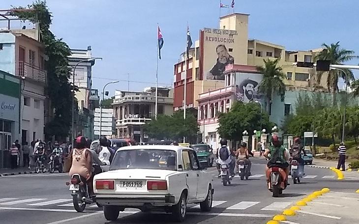 Capitalismo en Cuba, privatizaciones, economía estatal, inversiones de capital internacional. - Página 12 Santia10